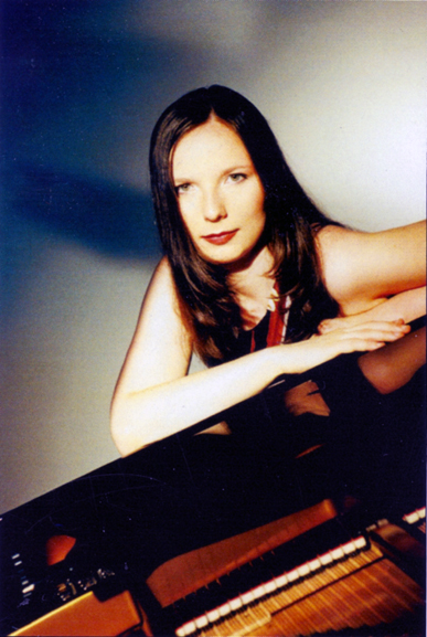 Alexandra Oehler (source: liner notes to CD cpo 777 136-2)